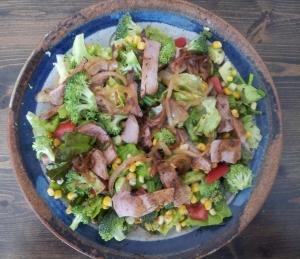 roast beef carmalized onion salad